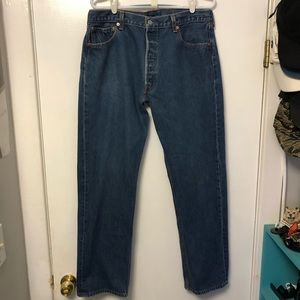 VINTAGE LEVIS 501 RELAXED FIT BLUE JEANS